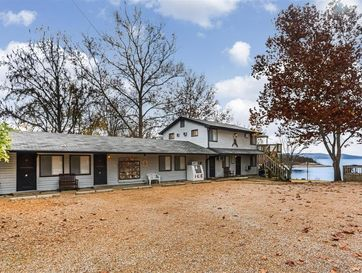 1049 Parkview Drive Hollister, MO 65672 - Image 1