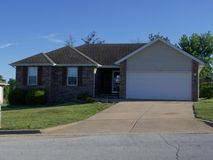296 West Canyon Court Nixa, MO 65714, Nixa Homes For Sale - Image 2