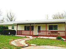 815 East Hill Street Springfield, MO 65803, Springfield Homes For Sale - Image 4