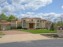 426 South Oaks Drive Springfield, MO 65809, Springfield Homes For Sale - Image 1
