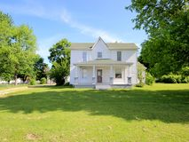 2629 East Division Street Springfield, MO 65803, Springfield Homes For Sale - Image 3