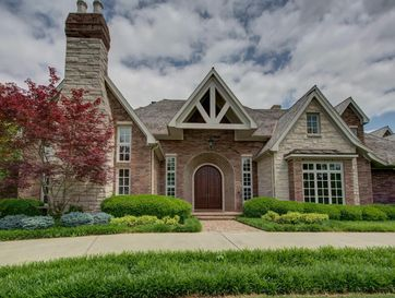 5352 South Whitehaven Court Springfield, MO 65809 - Image 1