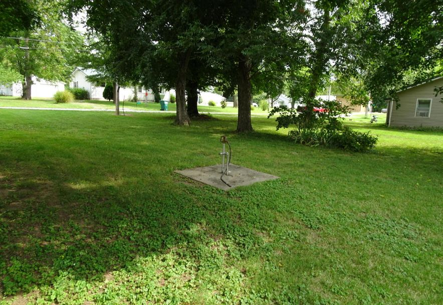 208 2nd Street Arcola, MO 65603 - Photo 4