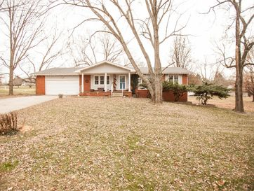 2098 South Hillside Drive Springfield, MO 65809 - Image 1